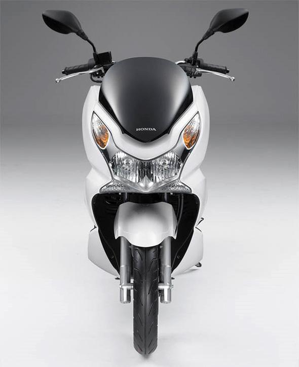 http://2.bp.blogspot.com/_6A0U5526Mn8/S69suHgwXEI/AAAAAAAAAmE/ma8hTmz13Po/s1600/honda-pcx-125i-scooter2.jpg