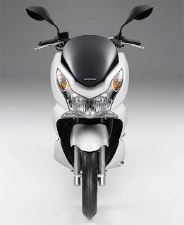 Spesifikasi Dan Fitur Motor Honda Matic Baru 2010 PCX 125i