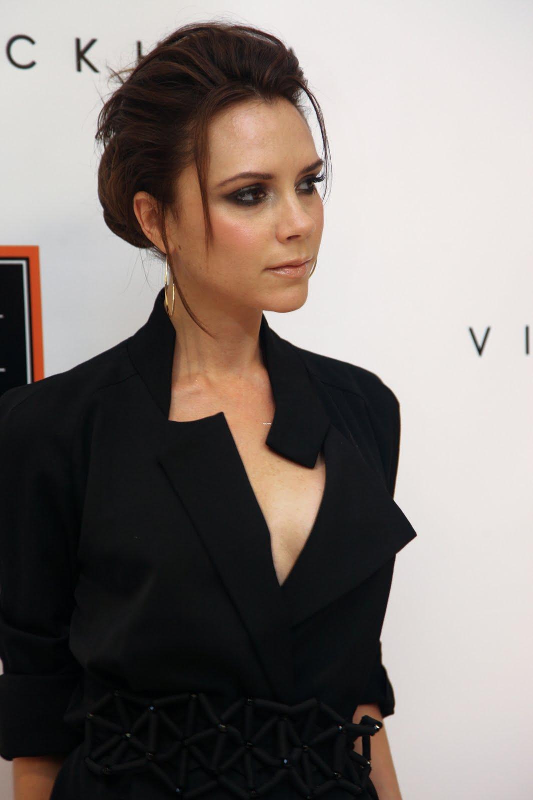 http://2.bp.blogspot.com/_6A8j2EQmANk/S8RNEaHCh5I/AAAAAAAAA4g/TnOX0xzm6e8/s1600/Victoria+Beckham4.jpg