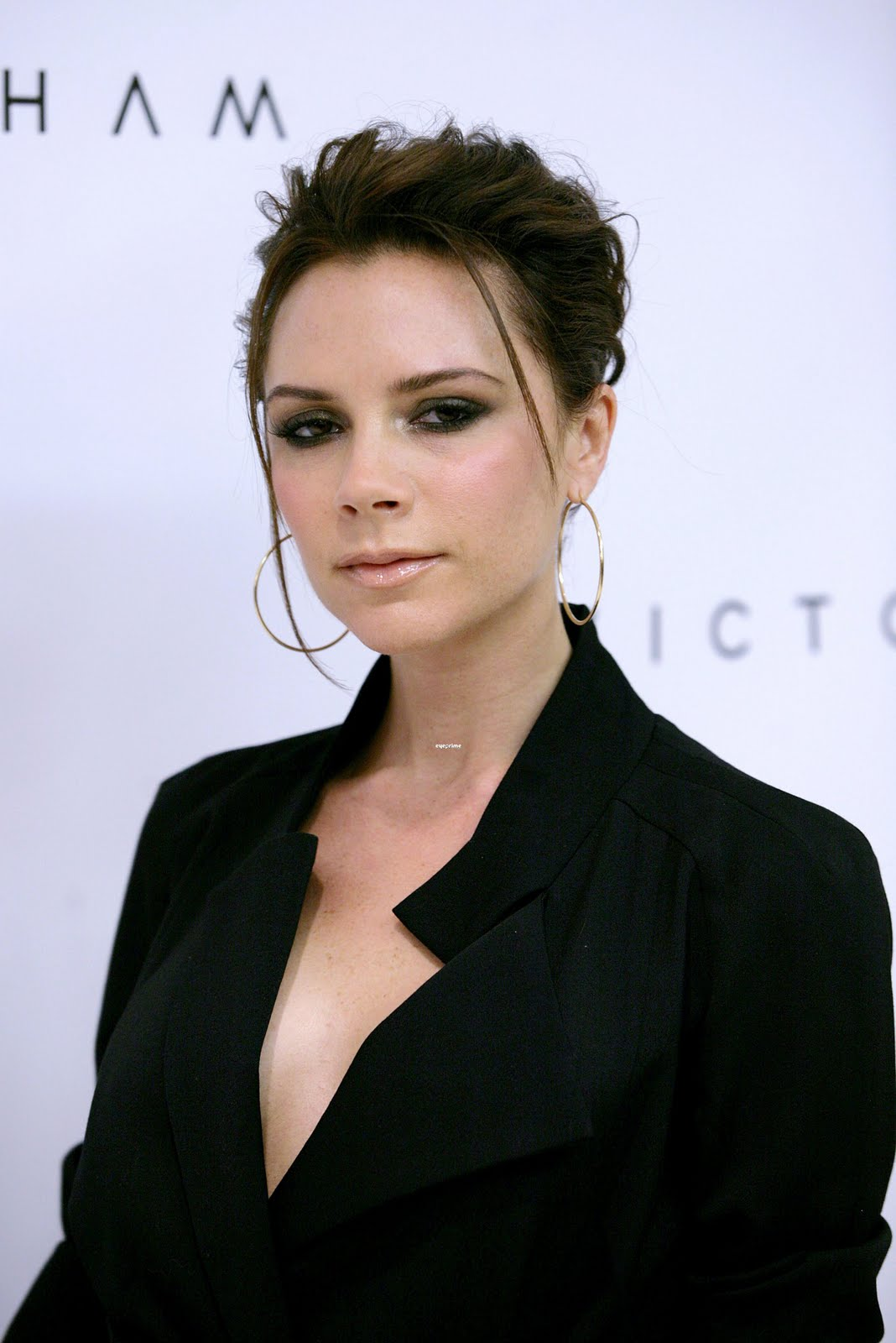 http://2.bp.blogspot.com/_6A8j2EQmANk/S8ROCOqfA0I/AAAAAAAAA5A/CSjfeM3_x2k/s1600/Victoria+Beckham8.jpg
