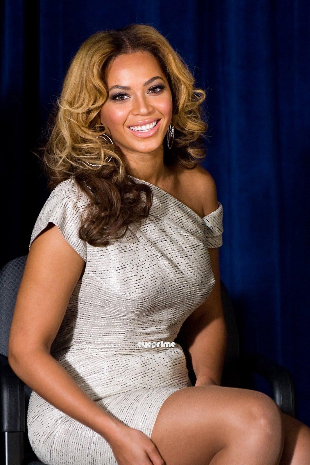 http://2.bp.blogspot.com/_6A8j2EQmANk/S8wQUvu5InI/AAAAAAAACV4/uQgvxYUUsOs/s1600/Beyonce3.jpg