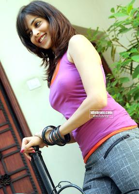 Genelia D'souza photoshoot Hot photo