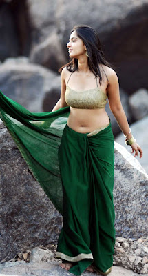Hot pictures of Anushka Green Saree Navel show Pictures