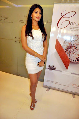shirya saran in white dress at shopping