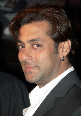 Top tax payer bollywood celebrity