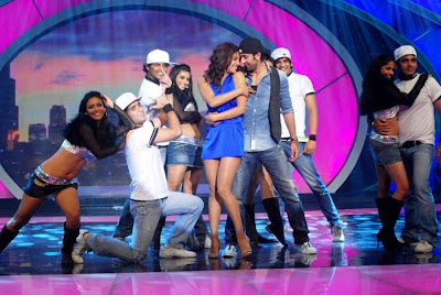 Priyanka and ranbir on the Sets of Indias Got Talent