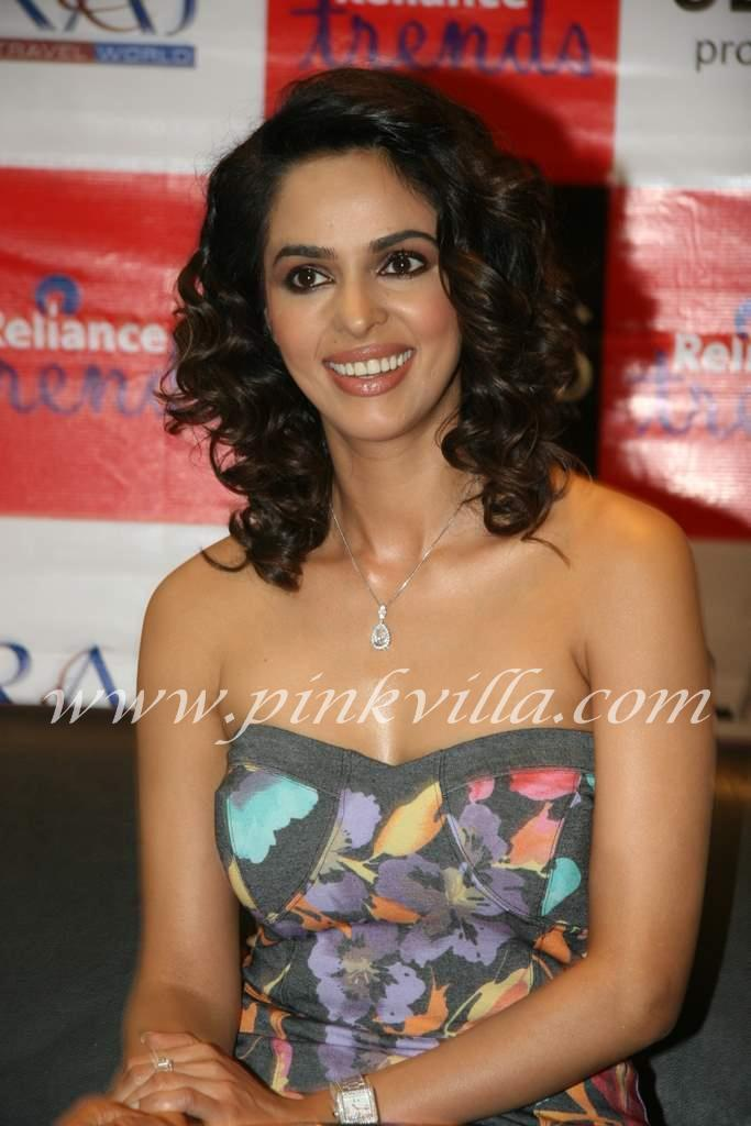 wallpaper world mallika sherawat promotes film hisss movie