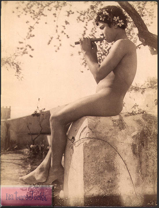 [Gloeden,_Wilhelm_von_(1856-1931)_-_n._0354.jpg]