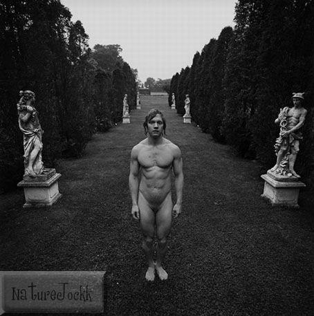 [Statues_1_Nude+male.jpg]