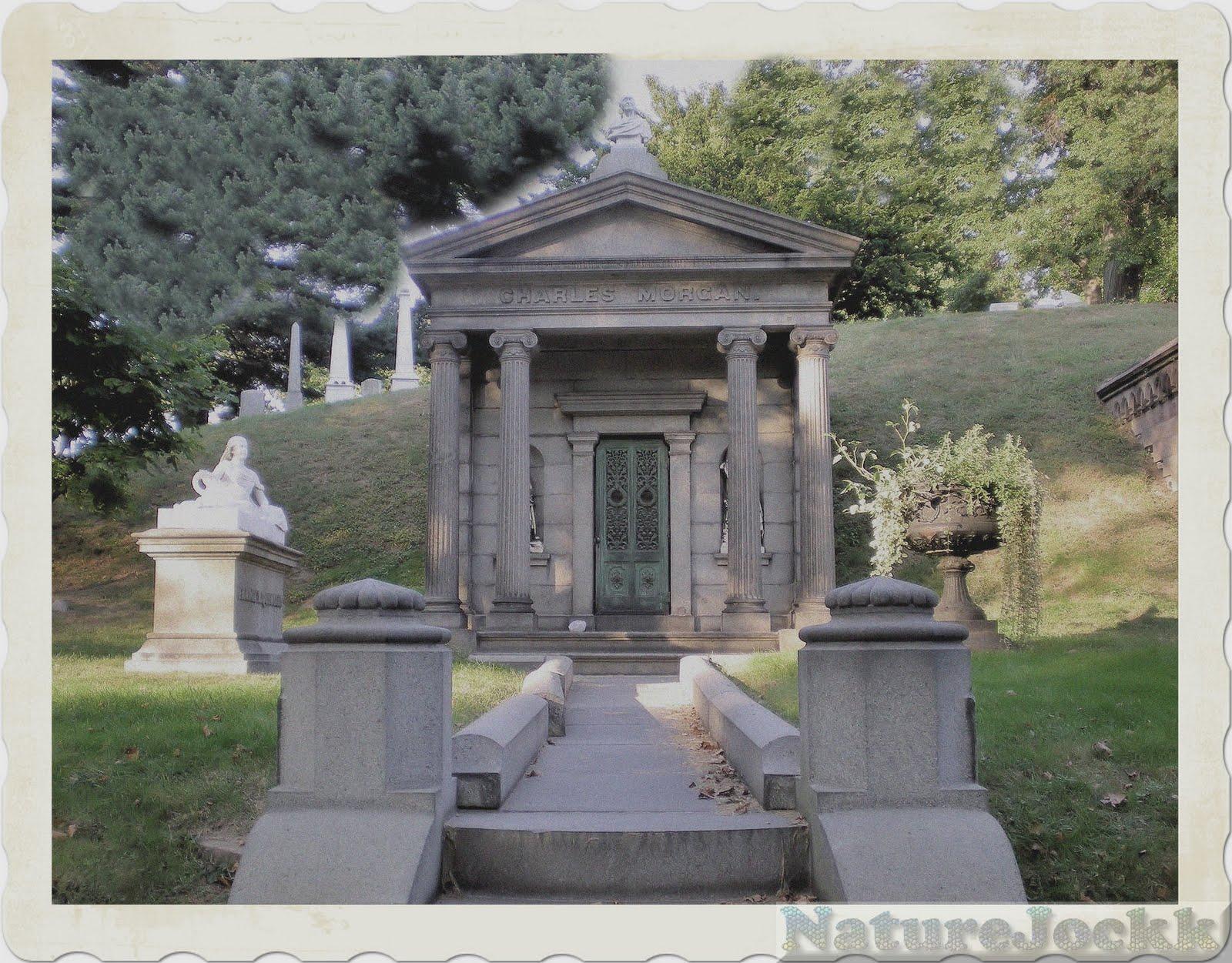 http://2.bp.blogspot.com/_6ANko4sjweM/SxPsNSRPAGI/AAAAAAAAXLQ/SMnZQepoiTA/s1600/Statues_5_ceetary.jpg