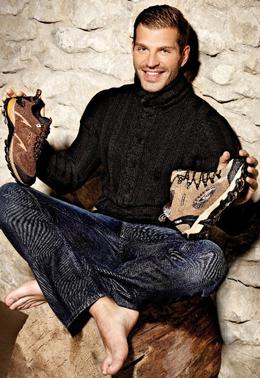 Darek Miroslaw con zapatillas Yumas