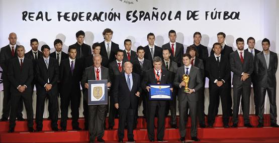 homenaje a la selección española de fútbol campeona del mundo
