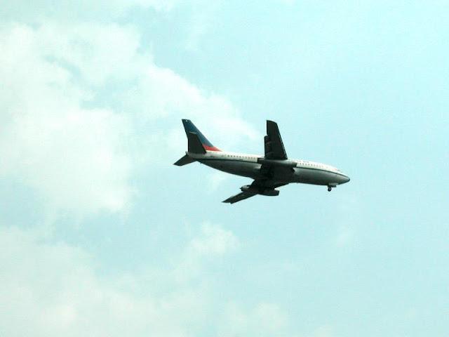 http://2.bp.blogspot.com/_6Cy1LTJR6TM/SW1dQse4lMI/AAAAAAAAABE/xJJIehK78Uw/s1600/airport.jpg