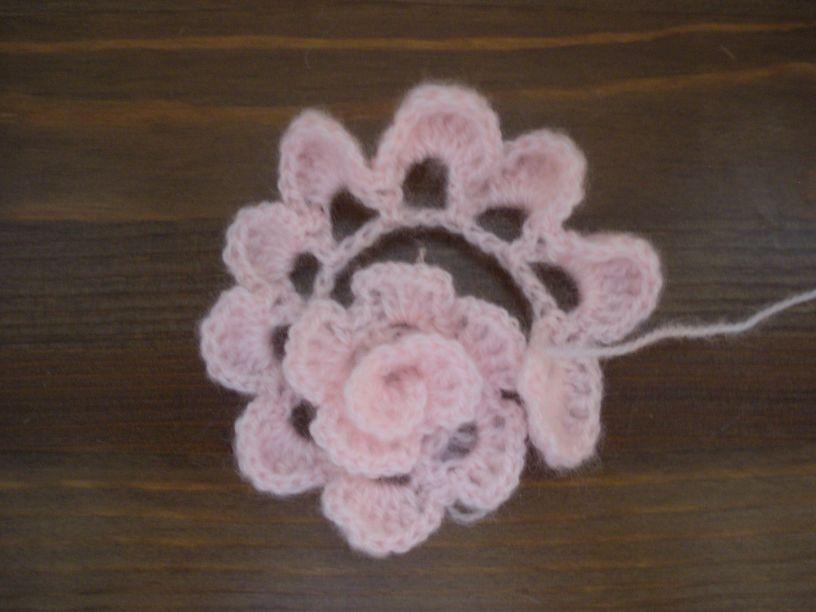 el ganchillo engancha...: Flor de crochet facil