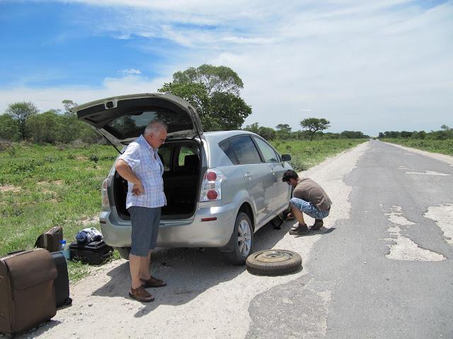 carretera kalahari, carretera nata maun, carretera botsuana, botswana road