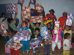 entrega de regalos en la navidad 2008