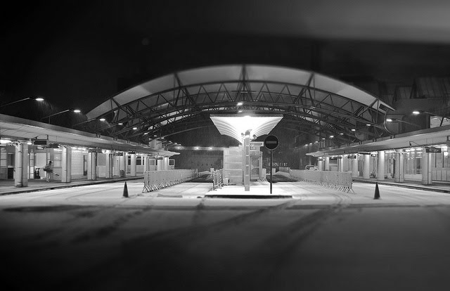 Evry Daily  Photo - Evry sous la neige - 5h du matin gare routiere evry centre