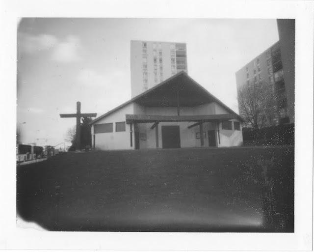 Evry Daily Photo - Evry au Stenope - L Eglise notre dame de l esperance