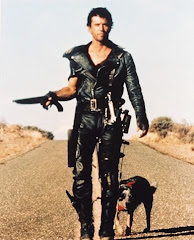 Mad Max: Recorriendo las tierras baldias.