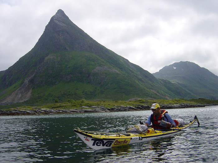 Kayaking in Loffoten Island
