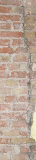 Picture of cracked brickwork