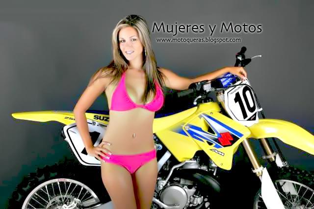 Fotos de mujeres desnudas en moto - MUJERES CON
