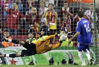 http://2.bp.blogspot.com/_6PZqjqEVk6k/S2ktoWYdW-I/AAAAAAAABwY/SLidUI8wlWI/s320/champions_league_soccer_200705_ap.jpg