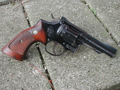 in 1940 smith wesson released a 22 caliber revolver on their medium