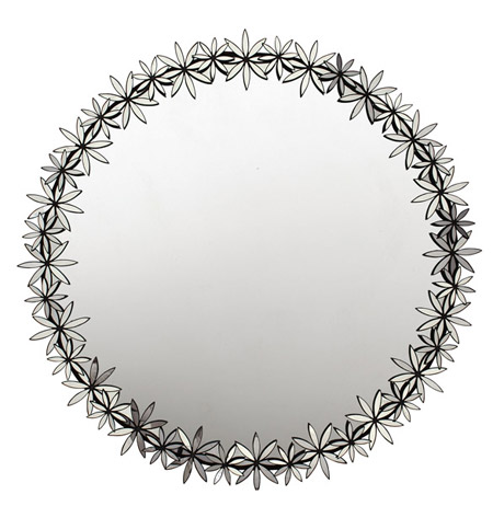 Round mirror with mirrored detailing around the rim from Oly