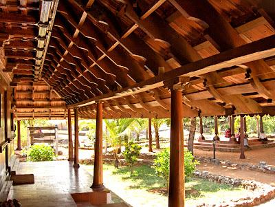 Artnlight the traditional keralite home dakshin chitra for Kerala home pillar designs