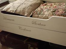 Den gamla gamla sängen