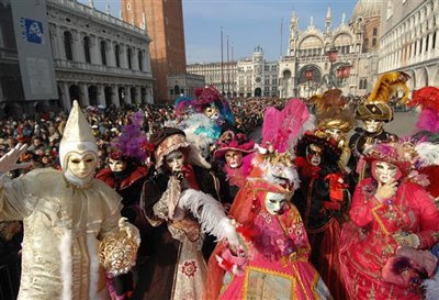 http://2.bp.blogspot.com/_6Siaso1iyKM/Sa3PbHSKtbI/AAAAAAAACFQ/ClZ_59t-D0I/s400/carnaval+de+venecia.jpg