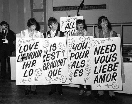 Quelle place aurait les Beatles aujourd'hui All%2Byou%2Bneed%2Bis%2Blove