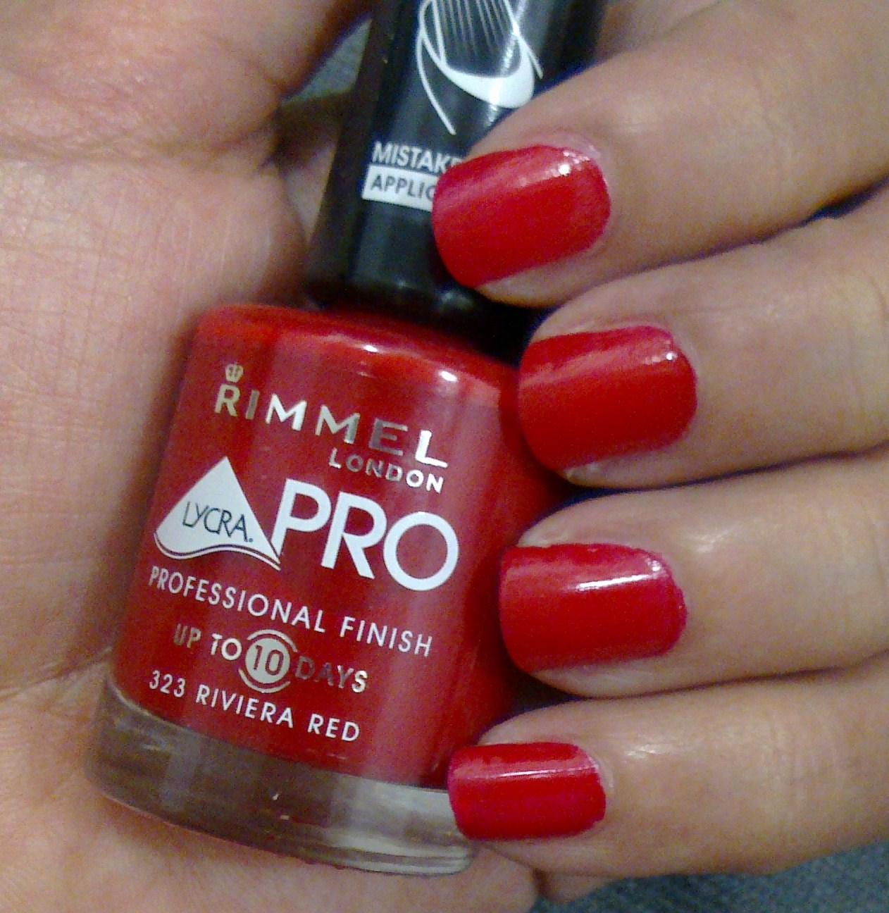 Makeup passion: Rimmel nail polish(Riviera Red )