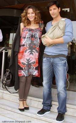 Отец Сакис Рувас (Sakis Rouvas) и мать Катя Зигули (Katia Zygouli)с их дочкой