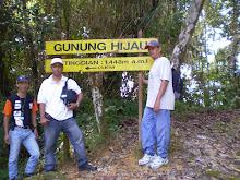Hiking Gunung Hijau
