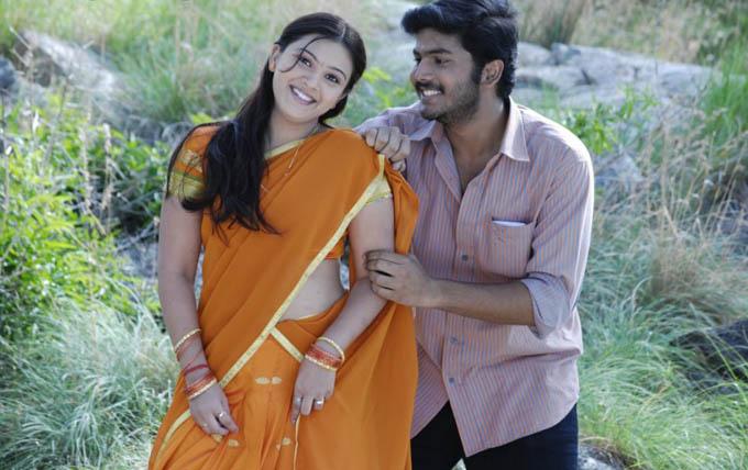 [payanangal-thodarum-movie-Chandrahaasan-Swetha-03.jpg]