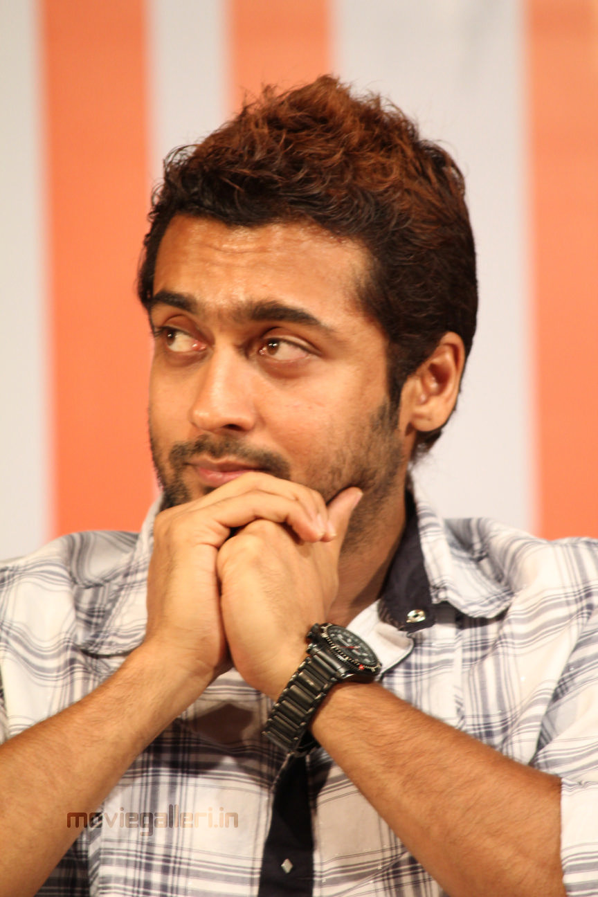 Suriya @ Vaali 1000 Book Launch Stills, Surya at Vaali ...