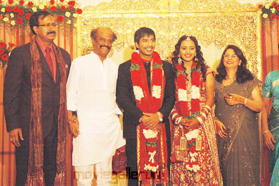Arya Actor Wedding http://moviegalleri.net/2010/12/rajini-actor-vishnu-wedding-reception-stills-vishnu-wedding-reception-gallery.html