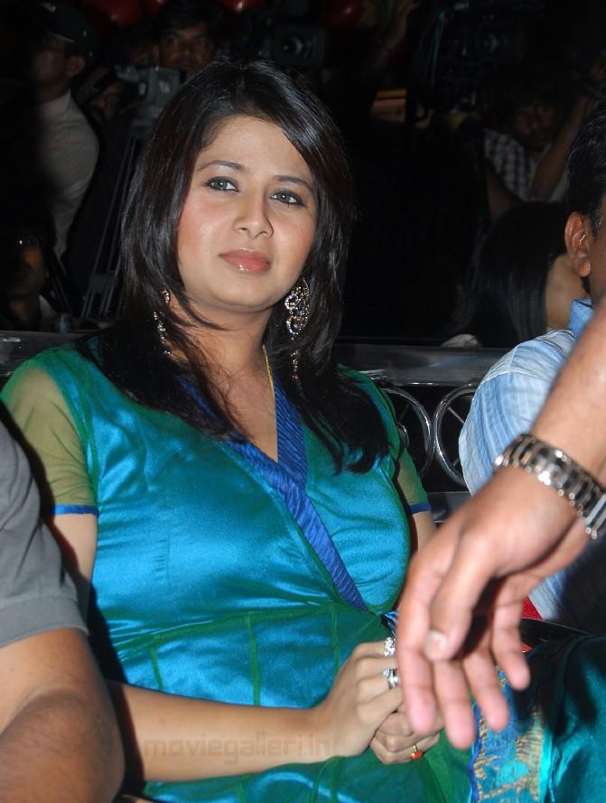 blogspot.com/2009/05/super-hot-tamil-aunty-actress-sangeetha.html