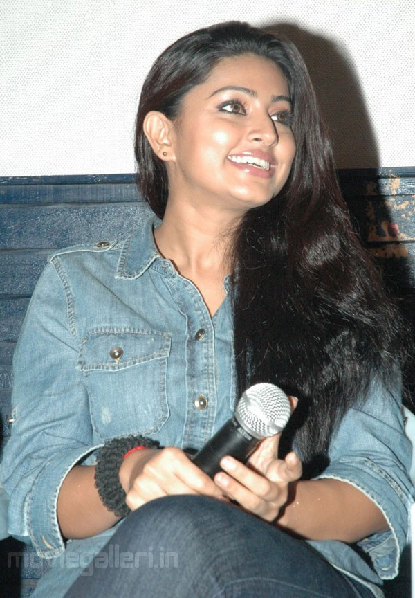 Sneha at Bhavani Press Meet Stills