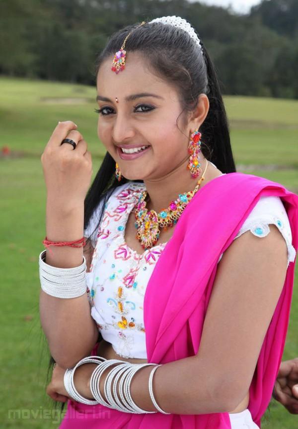 Telugu Actress Bhama Stills, Bhama actress latest pictures, bhama cute ...