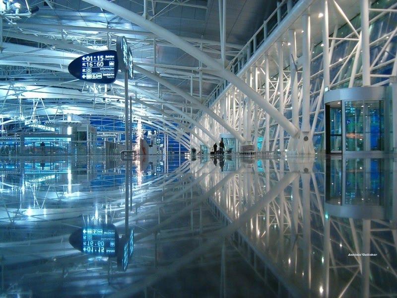 Reflexos de Arquitectura, aeroporto Francisco Sá Carneiro no Porto