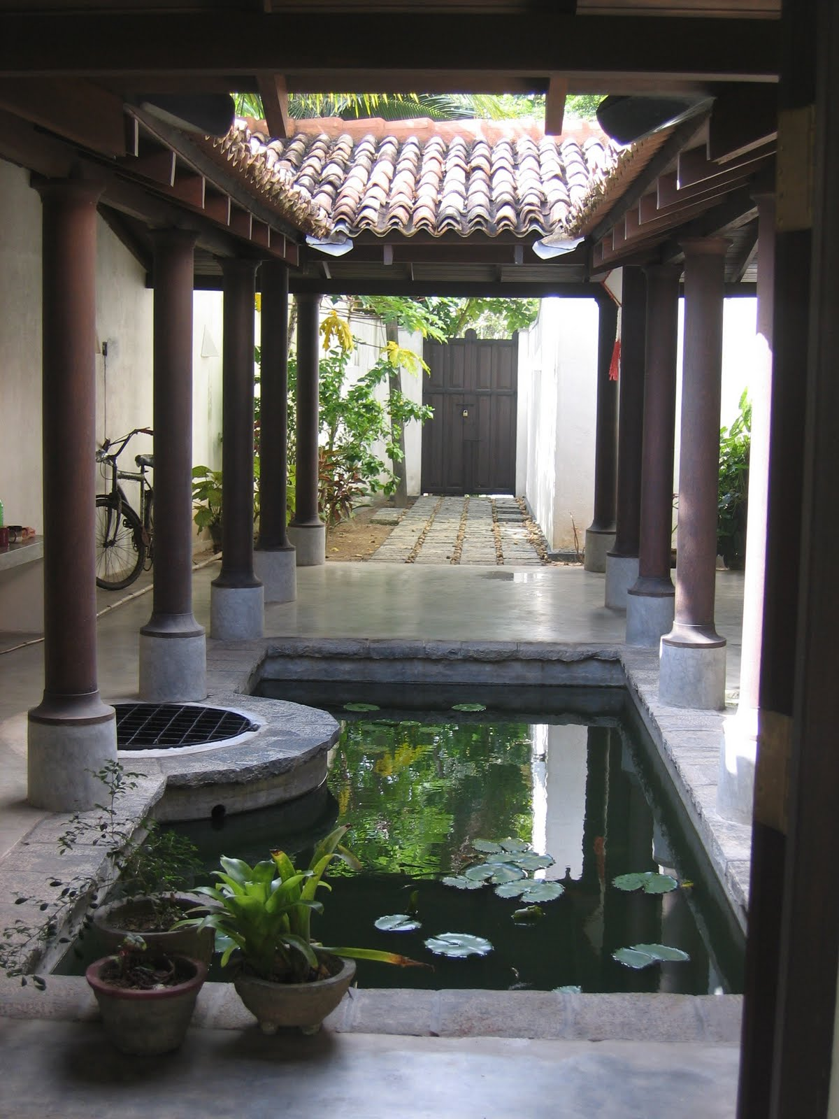 Sidell gibson architects the tsu trust sri lanka for Courtyard designs sri lanka