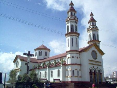 iglesia del barrio CHIPRE en manizales