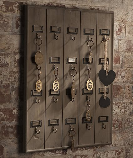 Remodelaholic | DIY Wall Mounted Wooden Hotel Key Rack