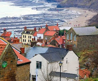 Robin Hood's Bay England photo from http://tumperkin.blogspot.com