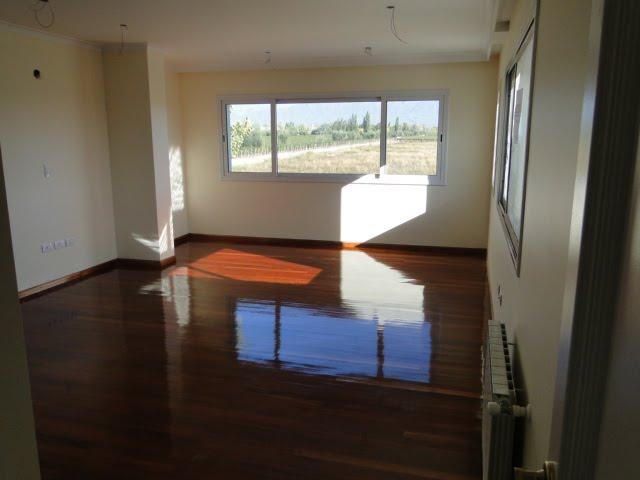 Medidas Baño En Suite:En Planta Alta :dormitorio principal con vestidor y baño en suite con