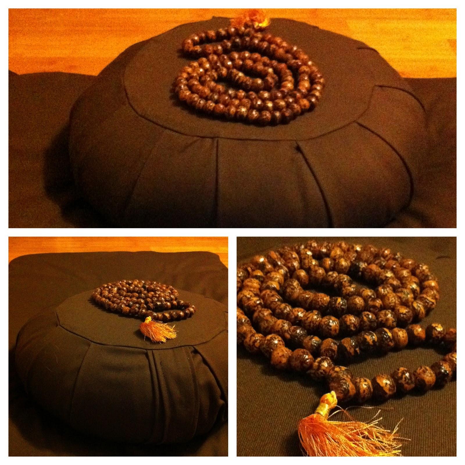 Mondo Samu: PRODUCT REVIEW: Zafu & Zabuton Meditation Cushion and