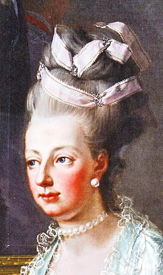 Ba Rococo Le Coiffure Pouff